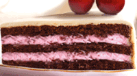 Gâteau au chocolat avec fourrage cerise
