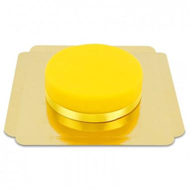 Gâteau jaune avec ruban