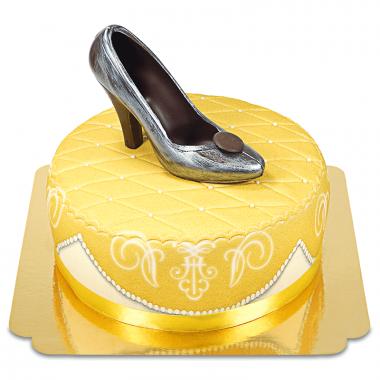 Escarpin en chocolat sur gâteau deluxe doré