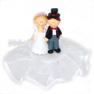 Figurine de mariés heureux