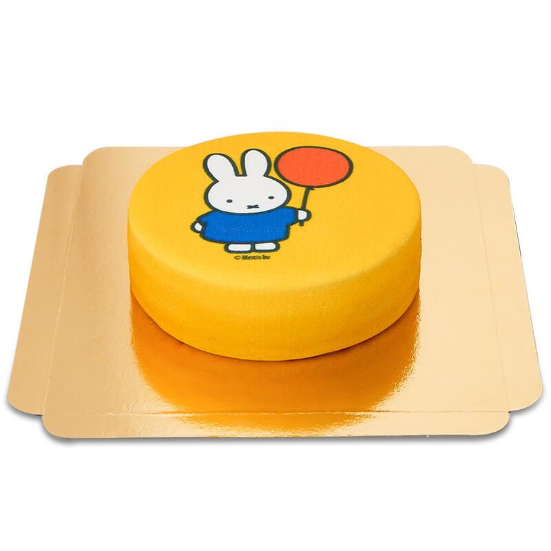 Żółty tort z Miffy i balonikiem